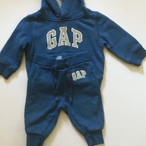 Gap Gently Used Baby Outfit Size 6-9M